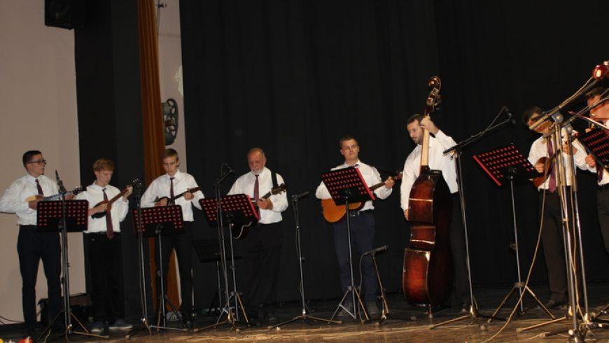 Naši tamburaši nastupili na 22. Susretu tamburaških orkestara i sastava u Dugom Selu