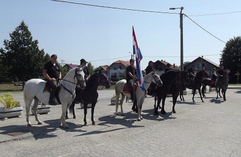 Konjičkim mimohodom kroz Petrijanec, Cesticu, Vinicu i Sračinec odana počast poginulim braniteljima