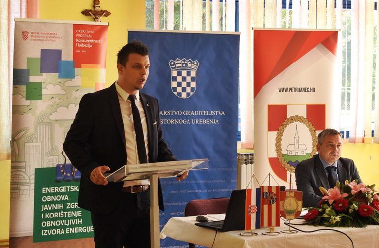 Potpisan ugovor za energetsku obnovu društvenog doma u Novoj Vesi, vrijednost 314 tisuća kuna