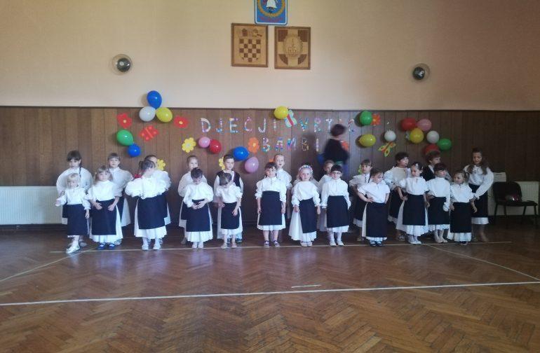 Pjesmom i plesom mališani dječjeg vrtića Bambi oduševili publiku