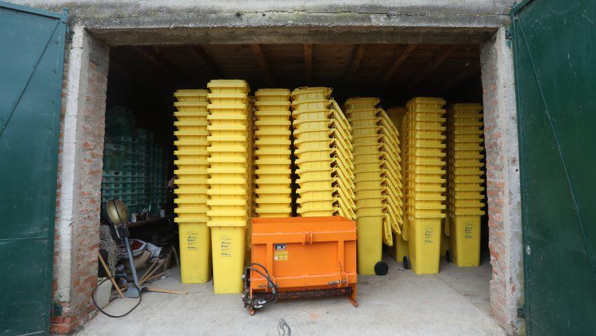 Općini Petrijanec isporučeni spremnici za odvojeno prikupljanje otpada